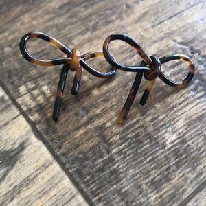 Bow tortoise shell earrings